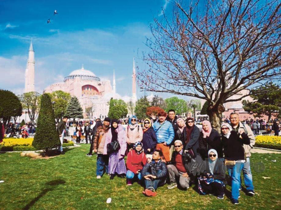 AYA Sofea yang dahulunya adalah gereja dan masjid kini menjadi muzium yang dikunjungi pelancong dari seluruh dunia.