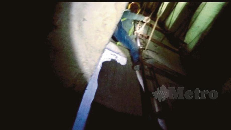 WARGA asing bersembunyi di dalam lubang lif bagi mengelak ditahan pihak berkuasa.