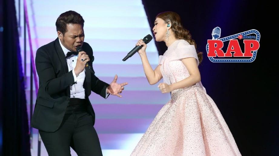 PERSEMBAHAN Syamel dan Ernie Zakri pada malam Anugerah Juara Lagu (AJL) akhir ke-32 di Axiata Arena, Bukit Jalil. FOTO Halimaton Saadiah Sulaiman