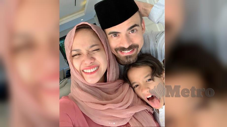 ASHRAF bersama keluarganya. FOTO Instagram BCL
