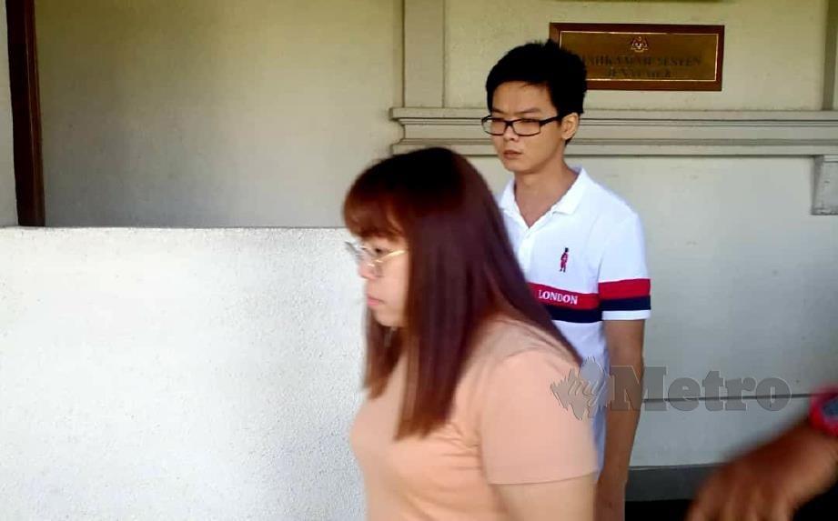 Tertuduh, Lin Kien Voon, 32; Yaw Xin Vai, 18 dan Chee Siew Wai, 38 dibawa ke mahkamah atas tuduhan memperdagangkan wanita warga asing bagi tujuan eksploitasi seks. FOTO Hafidzul Hilmi
