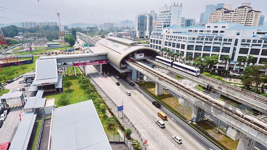 KEMUDAHAN pengangkutan awam khususnya LRT3 antara faktor Shah Alam terus menjadi pilihan pembeli kediaman.