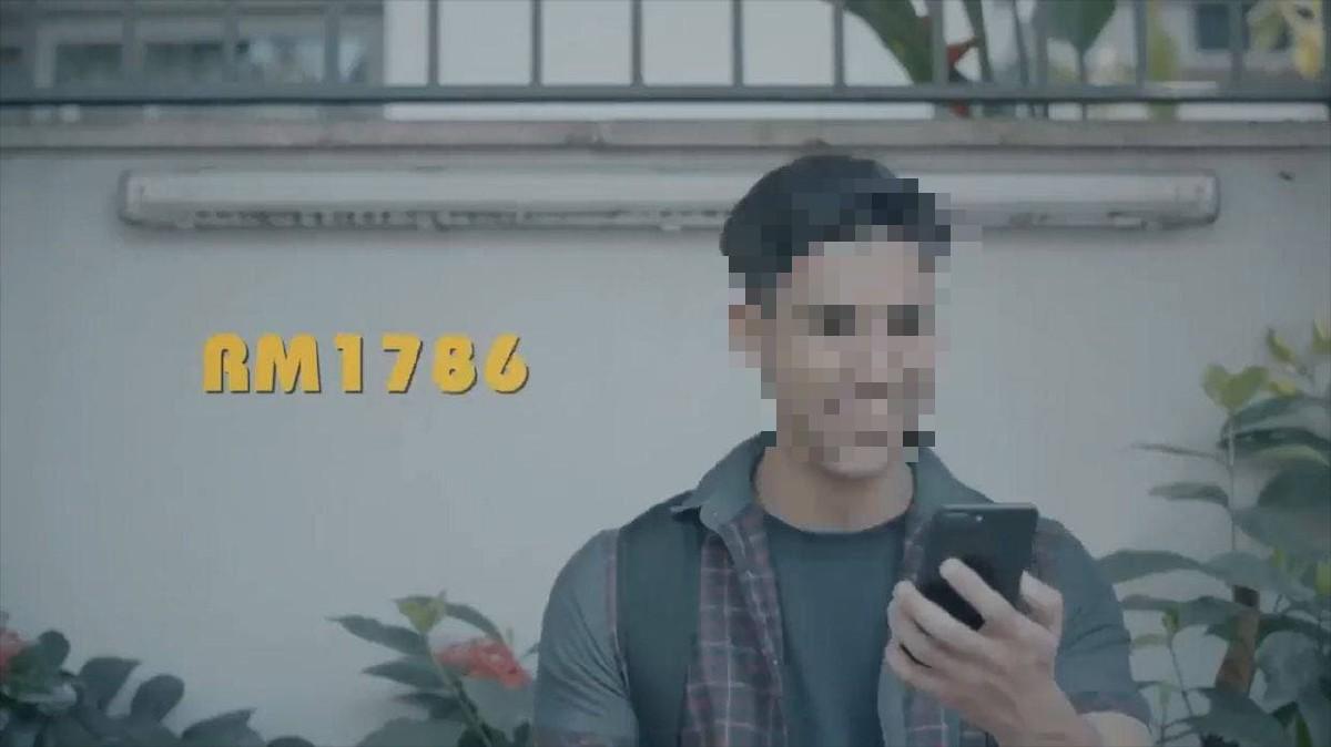 Pelakon iklan,dikenali sebagai Saiful.