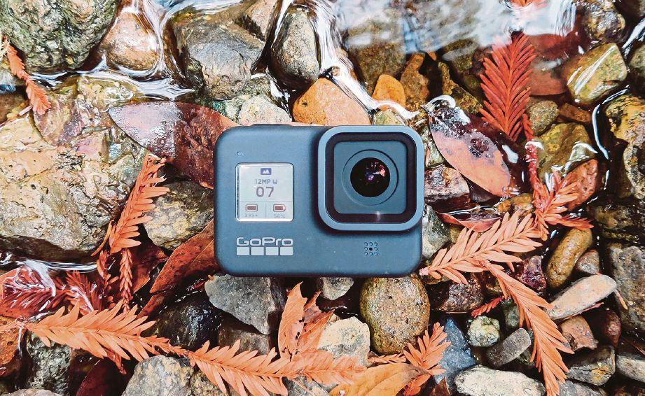 DILENGKAPI dengan lensa 12 megapiksel (MP) dan berkeupayaan untuk merakam video dalam resolusi 4K untuk 60 bingkasi sesaat (FPS), resolusi 2.7K (120FPS) dan resolusi 1080p (240FPS).