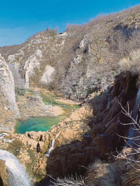 PEMANDANGAN indah yang memukau pengunjung di kawasan Taman Negara Plitvice, Croatia.