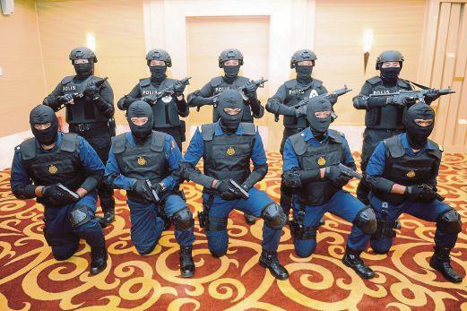 PASUKAN Tindakan Khas (PTK) JPJ dan polis bekerjasama membanteras kegiatan tonto.