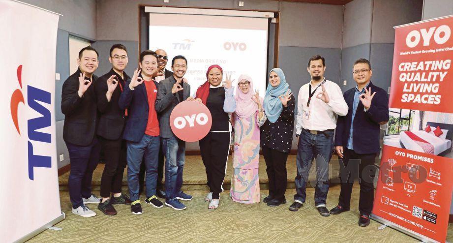KERJASAMA  di antara TM dan OYO Malaysia membuka dimensi baharu  dalam aspek komunikasi.