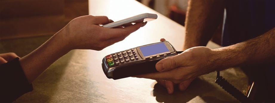 MALAYSIA dilihat mempunyai kadar penembusan tinggi bagi segmen pembayaran tanpa tunai.
