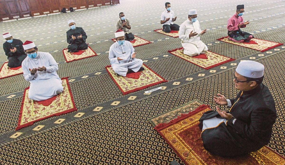 ISLAM mengajar umatnya supaya mendoakan kebaikan untuk orang lain.