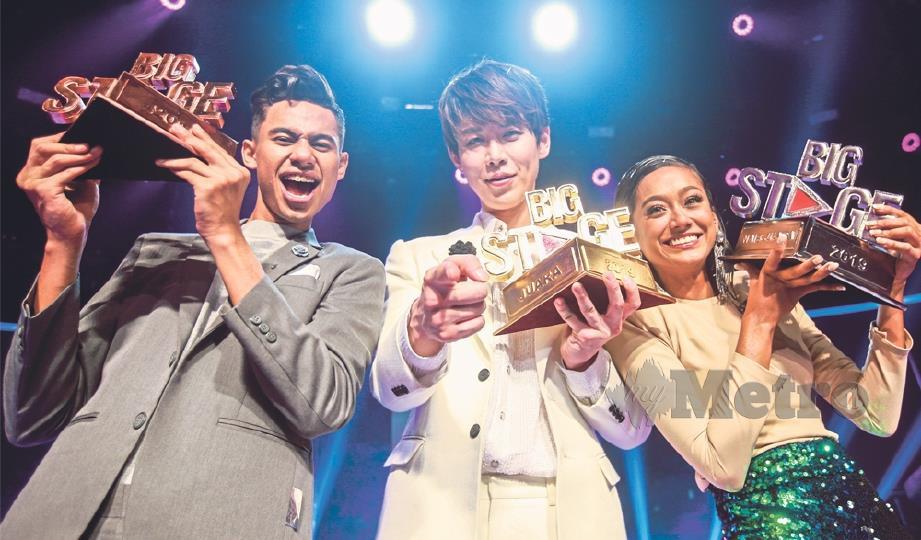 JUARA Big Stage musim kedua, Han-Byul (tengah) bersama Neeta (kanan) dan Adzrin.