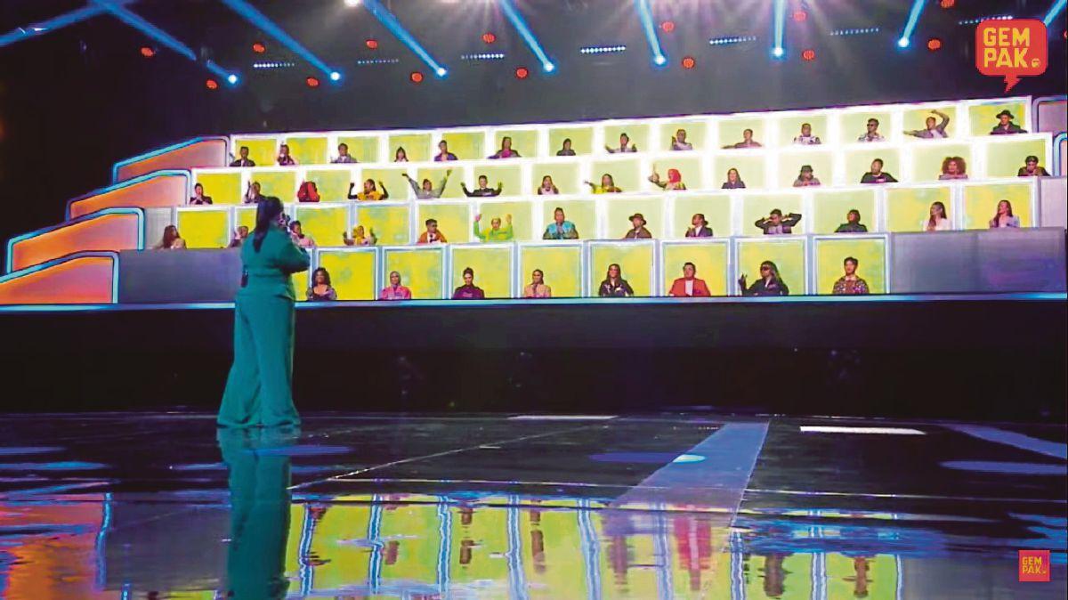 PROGRAM All Together Now Malaysia yang membariskan 50 selebriti mengikut SOP ketat.