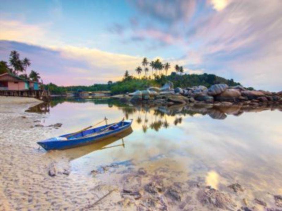 SUASANA sekitar pulau. FOTO Ihsan Treasure Bay Bintan