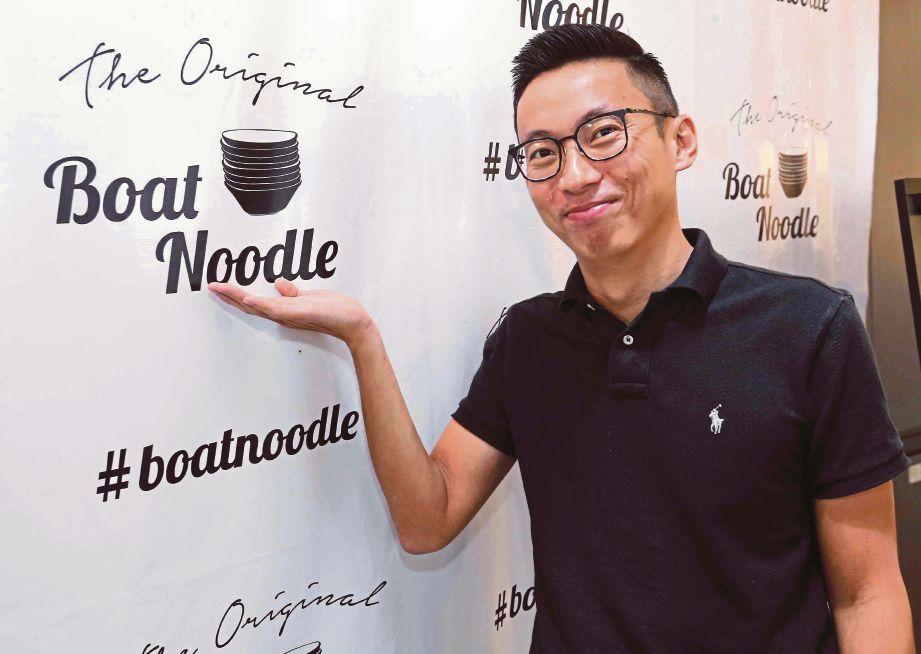 FRANCAIS The Original Boat Noodles diasaskan Tony.