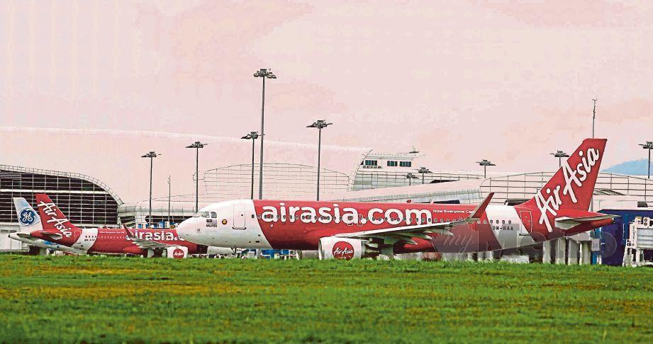 PENGGANTUNGAN sementara bagi penerbangan AirAsia Malaysia (AK) bermula dari 28 Mac hingga 21 April depan.