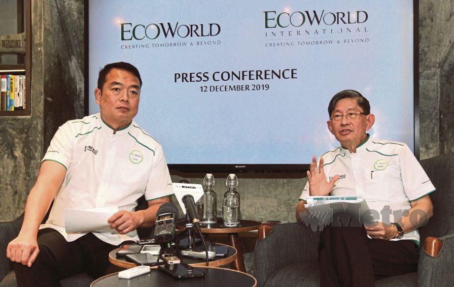 KHIM Wah (kiri) dan Leong Seng mengumumkan keputusan kewangan EcoWorld International bagi 2019, semalam.