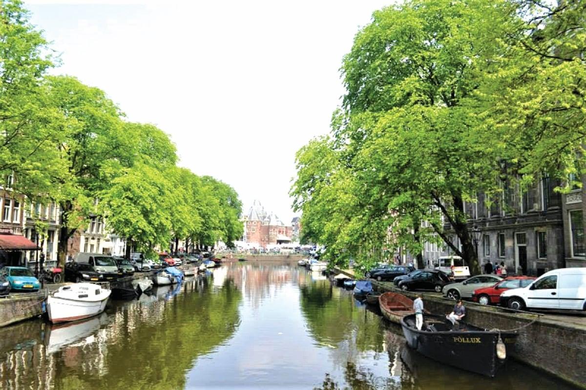 AMSTERDAM mendapat jolokan Venice Utara.