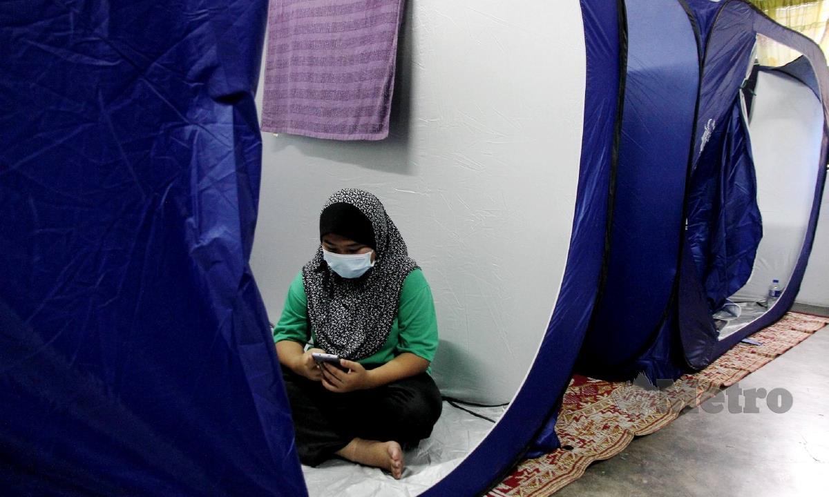 Antara mangsa banjir di PPS di Perak. FOTO BERNAMA