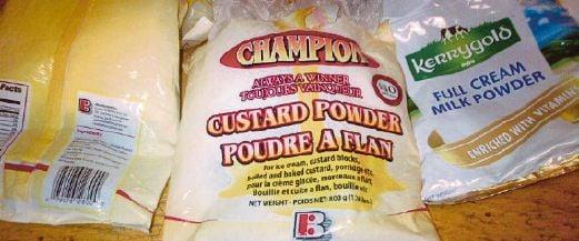 BUNGKUSAN susu tepung dan tepung kastard yang berisi kokain.