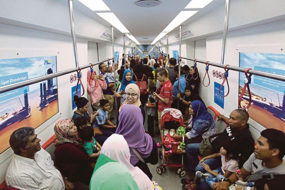 TARAF hidup penduduk di kawasan bandar meningkat dengan kemudahan pengangkutan awam yang eifisen seperti MRT.