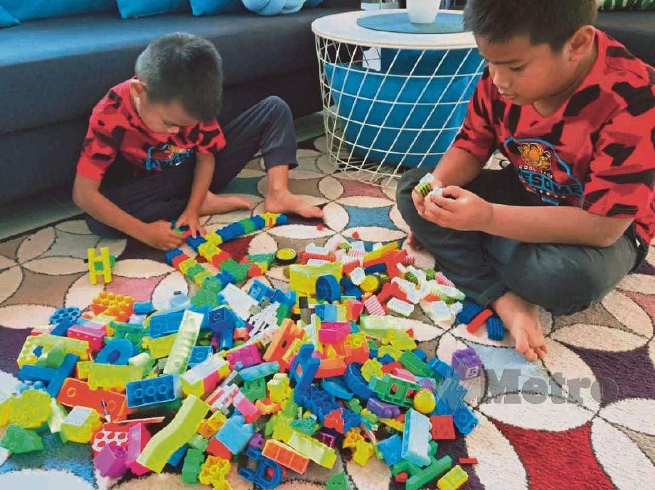 LEGO mampu bentuk kreativiti kanak-kanak.