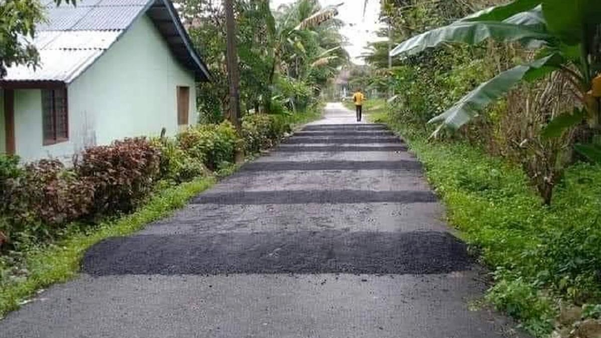 GAMBAR jalan dibina bonggol baharu yang tular.