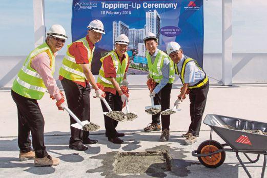 MAJLIS pecah tanah fasa akhir projek komersial Garden Plaza iaitu Garden Boulevard di Cyberjaya.