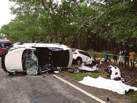 KEADAAN dua kenderaan yang terbabit kemalangan di Jalan Sitiawan-Ayer Tawar, semalam.