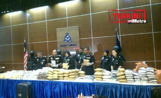 DADAH bernilai RM51 juta dirampas dalam serbuan di 11 lokasi. FOTO Asmah Rusman