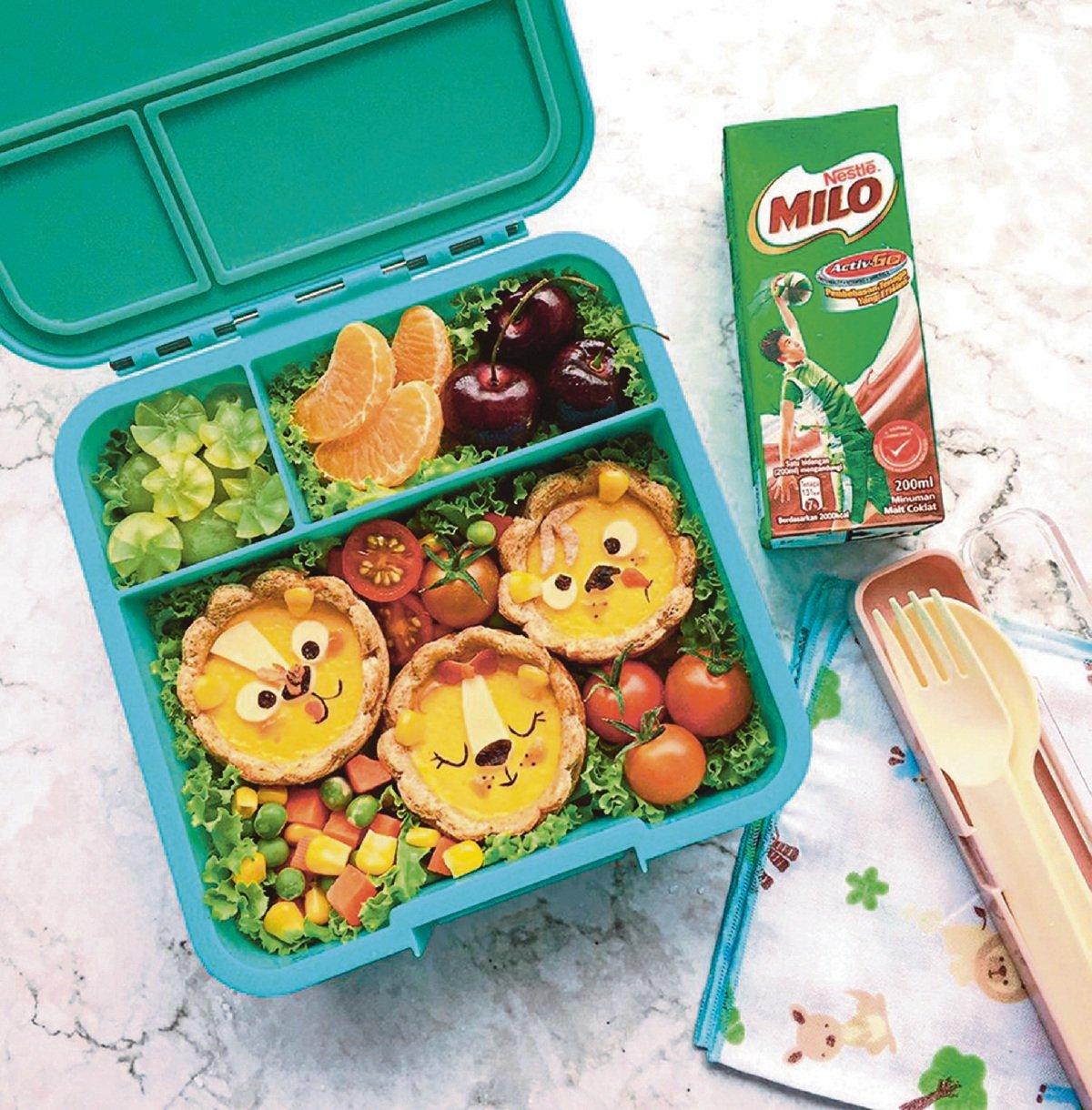 ROTI, buah dan sekotak susu sudah memadai sebagai bekal seimbang anak ke sekolah.