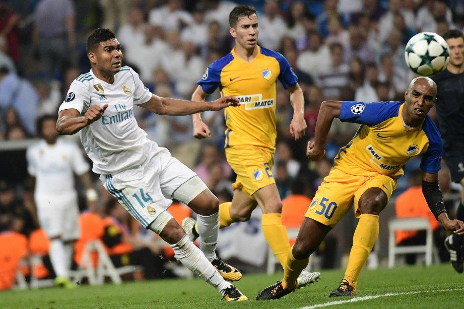 CASEMIRO (kanan) mahu penyokong usah sindir Bale. -FOTO/AFP