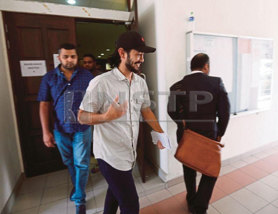 FARID hadir di Mahkamah Sesyen 4 Petaling Jaya untuk perbicaraan, semalam.
