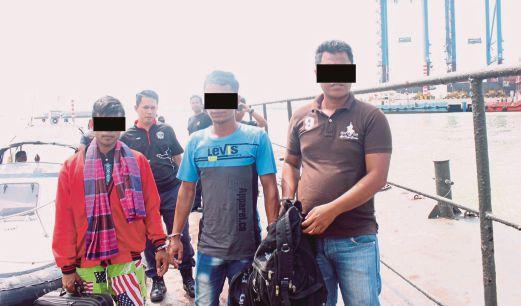NELAYAN asing yang ditahan APMM berhampiran perairan Sekinchan,  semalam.