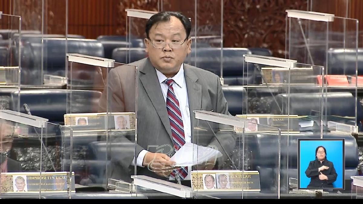EDDIN Syazlee menjawab soalan di Dewan Rakyat. FOTO YouTube Parlimen Malaysia