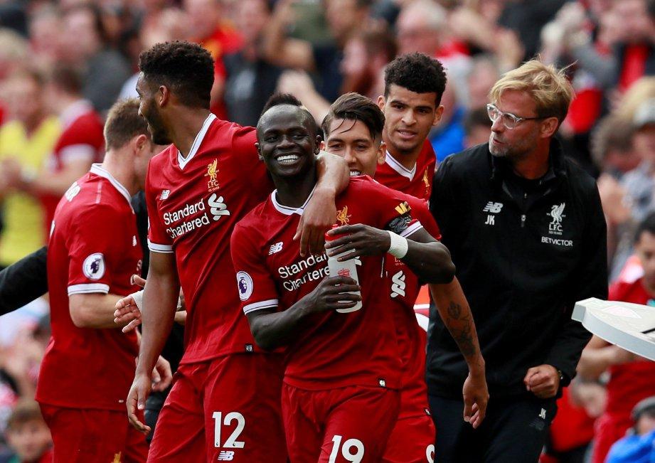 MANE (tengah) meraikan gol tunggal Liverpool bersama rakan sepasukan.