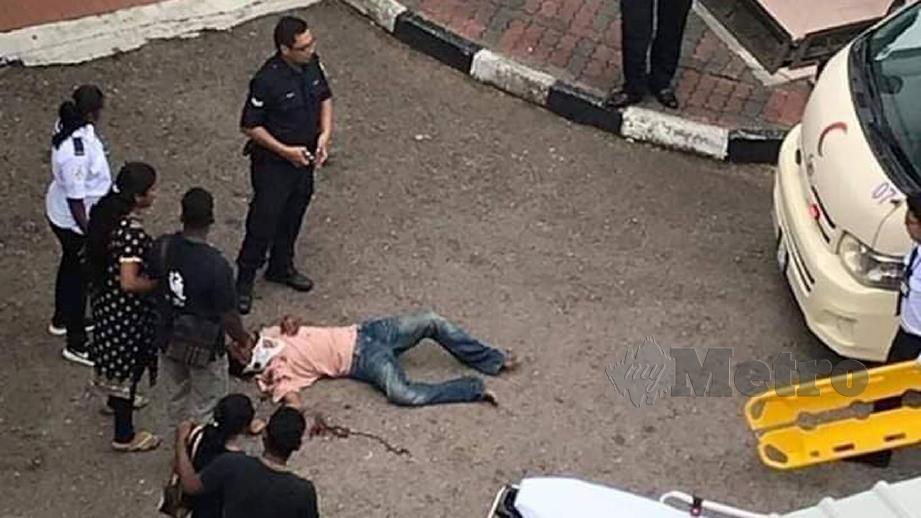 SUSPEK lelaki cedera selepas terjun dari tingkat tiga Kompleks Mahkamah Johor Bahru dalam cubaan meloloskan diri. FOTO Facebook Komuniti Roda Johor - CRJ