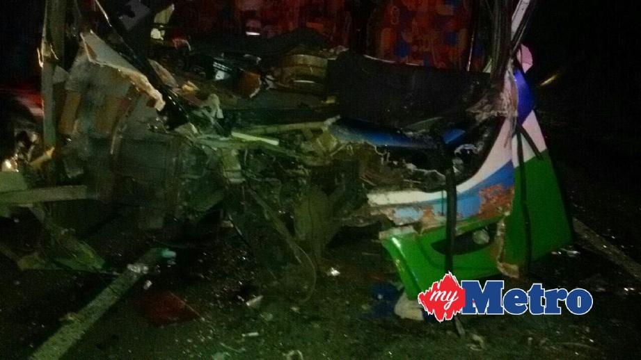 KEADAAN bas yang terbabit kemalangan. FOTO ihsan Bomba