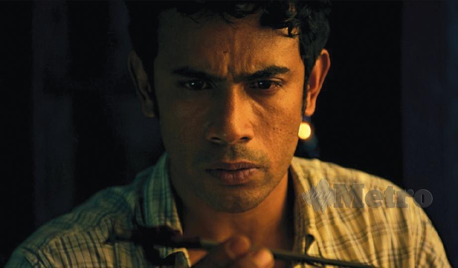 BABAK Remy ketika menjiwai watak Khalid dalam Filem Dendam Pontianak.
