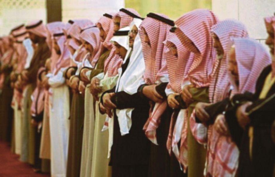 MALAIKAT mendoakan mereka yang solat berjemaah.