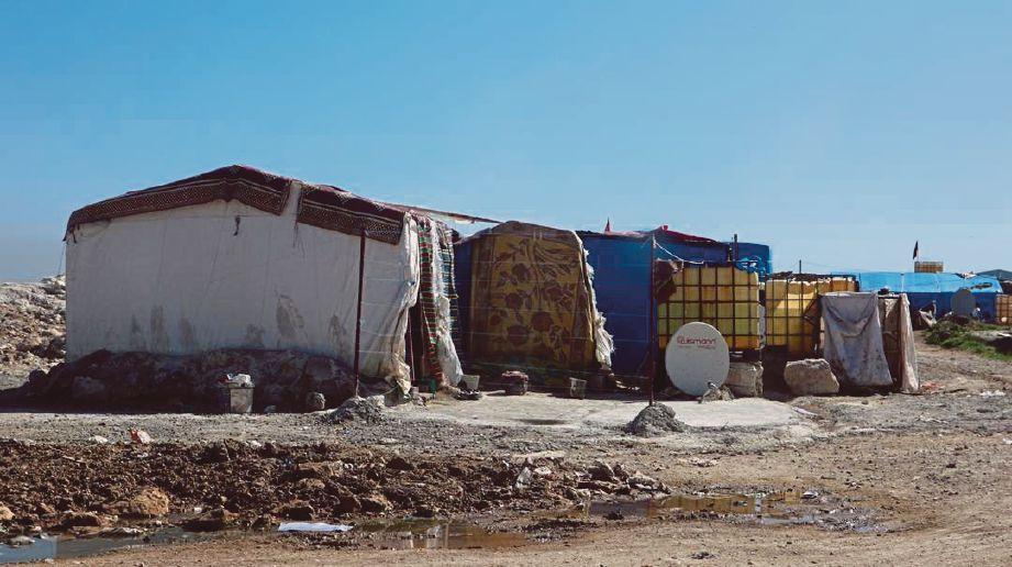 PEMANDANGAN di sekitar kawasan khemah pelarian Syria di Reyhanli.