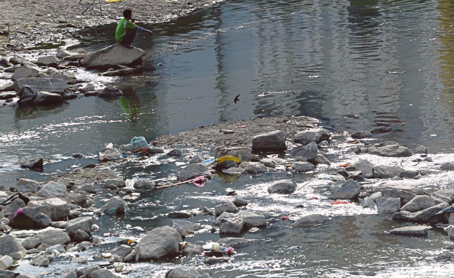 59 Tan Sampah Masuk Sungai Klang Harian Metro