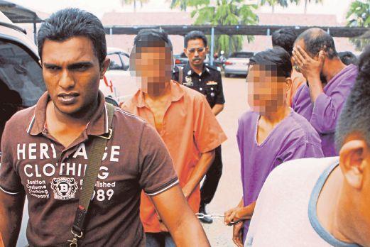 DUA daripada tiga suspek rogol gadis bawah umur dibawa ke mahkamah.