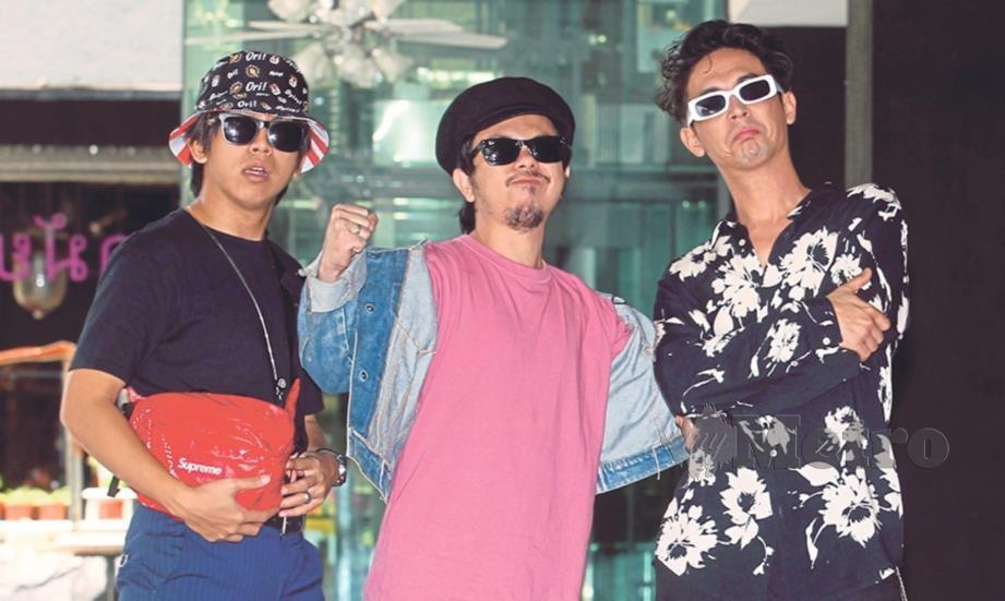 ANGGOTA Bunkface, Youk (kiri), Paan (tengah) dan Sam.