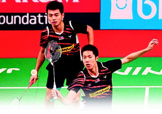 V SHEM (kanan) dan Wee Kiong duduki tempat ke-11 ranking terkini Olimpik.