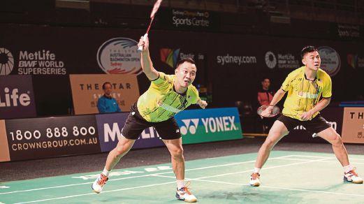 BOON Heong (kanan) dan Kien Keat berjaya ke suku akhir.