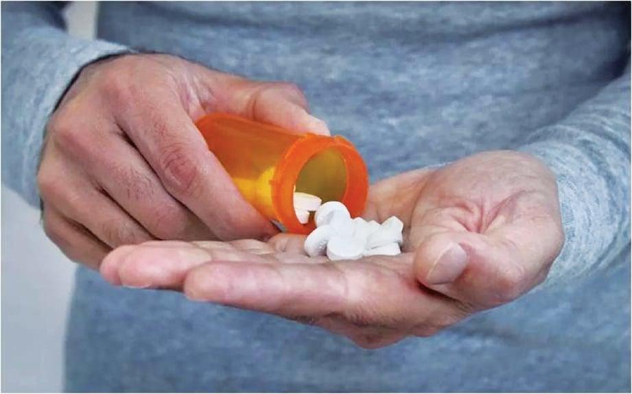 DOKTOR boleh menggunakan ubat-ubatan untuk merawat bengkak otak.