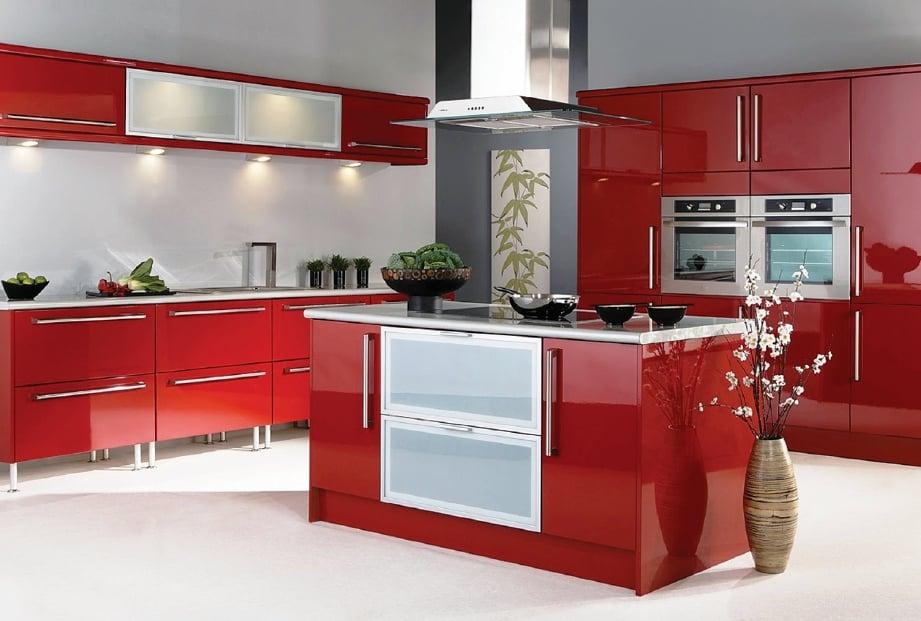 WARNA merah di dapur dapat membangkitkan selera makan.
