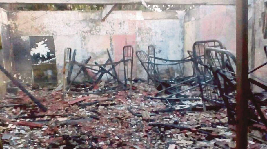 Keadaan asrama  yang terbakar awal pagi, semalam.