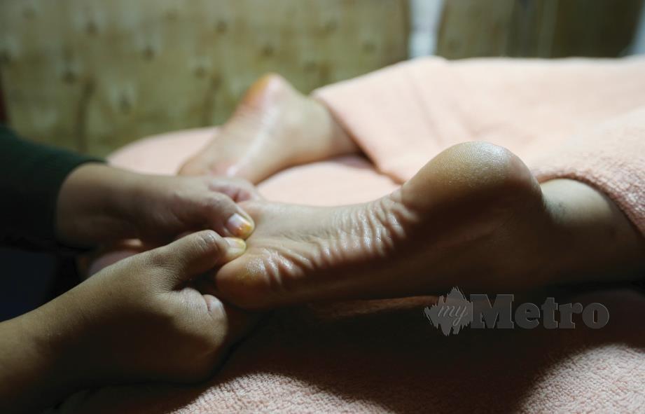 4. TERUSKAN langkah yang sama namun berubah ke posisi dari jari naik ke tumit.