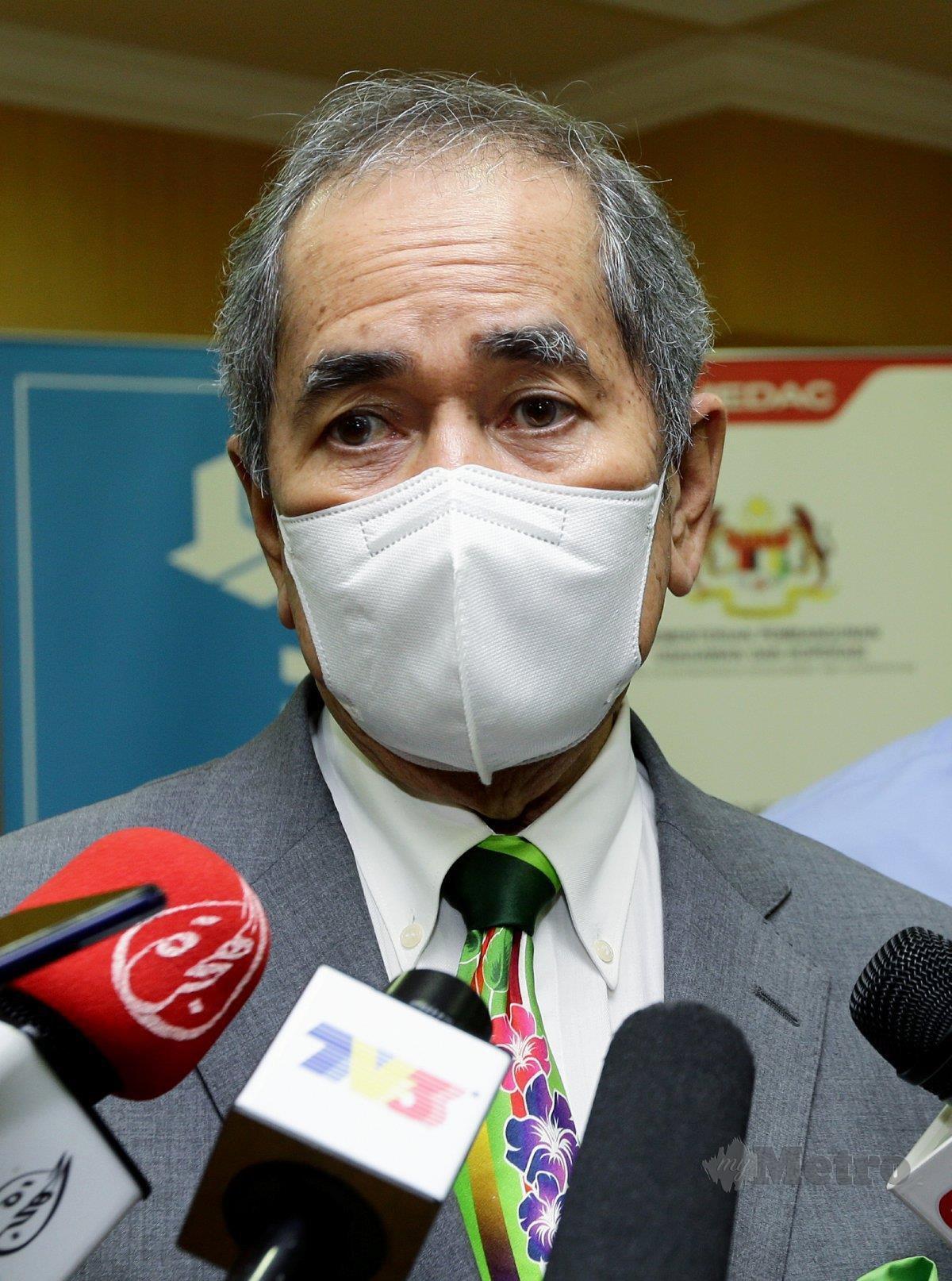 DR Wan Junaidi