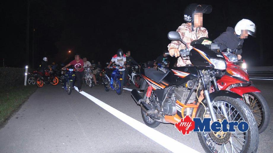 ANTARA 47 motosikal yang disita.  FOTO Zainuz Fitri